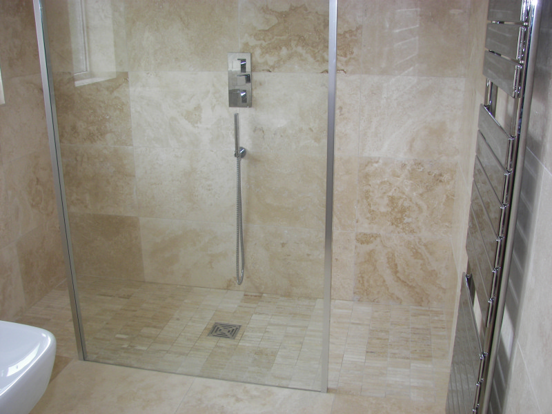 Travertine 39 eko light 39 travertine tiles marblous group for Travertine tile bathroom gallery